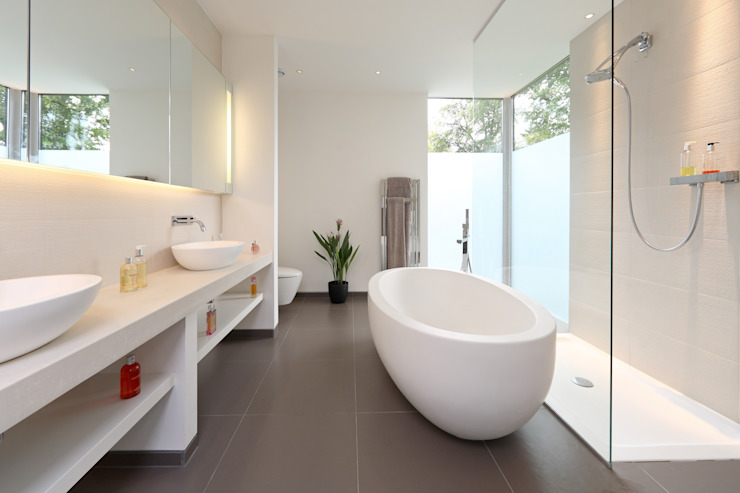 Brixham House Salle de bains moderne par Tye Architects Modern