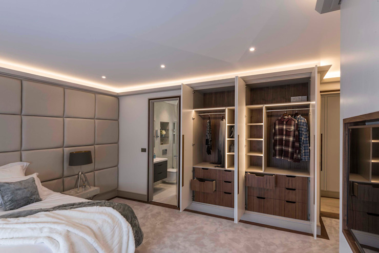 Vue de la garde-robe Chambre à coucher de style moderne par Prestige Architects Par Marco Braghiroli Modern