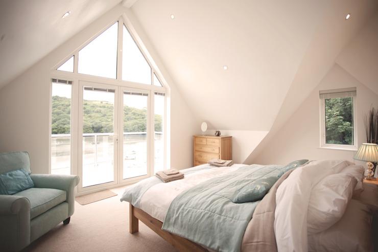 Driftwood House, chambre à coucher de style moderne Golant par Laurence Associates Modern