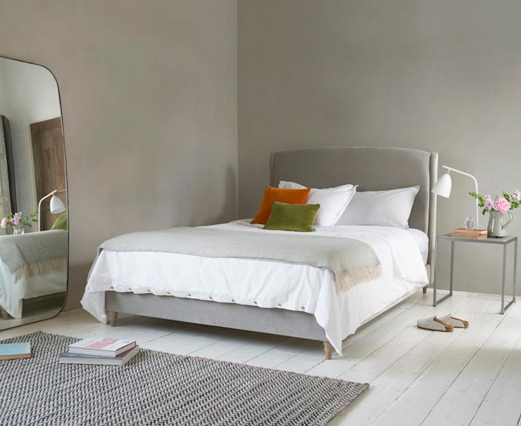 Un lit éblouissant : moderne par Loaf, Textile moderne ambre/or