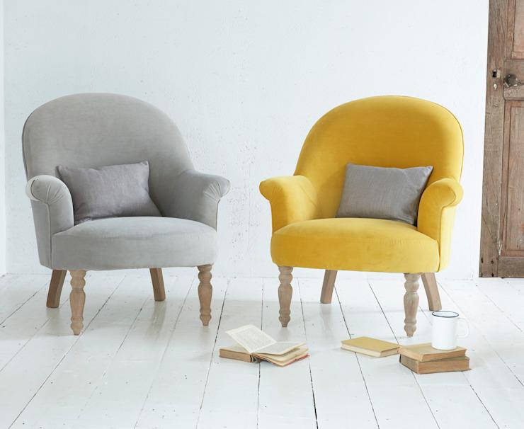 Fauteuil Munchkin : moderne par Loaf, Textile Moderne Ambre/Or
