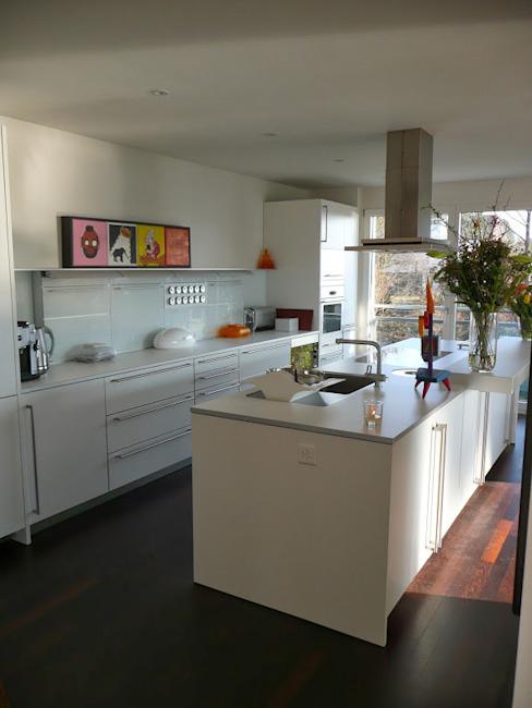 Zurich Appartement Cuisine de style éclectique par 4D Studio Architectes et décorateurs d'intérieur éclectiques