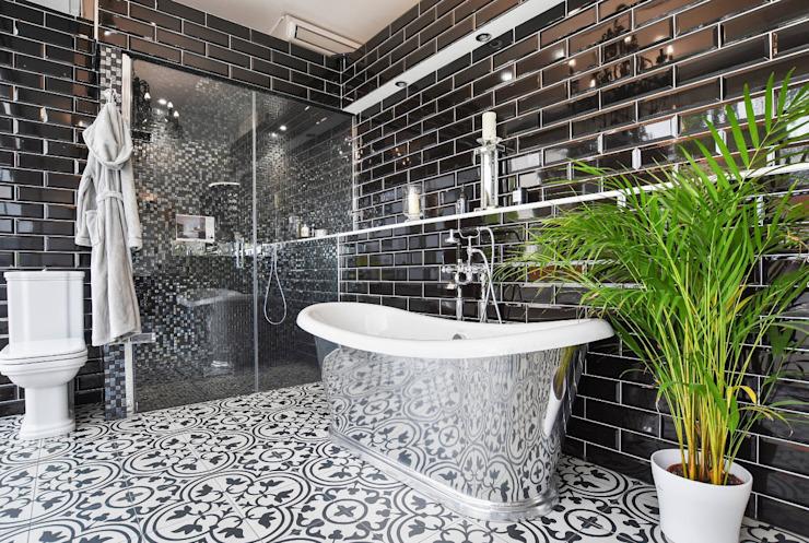 Salle d'exposition de Richmond, TW9 Salle de bains moderne par BathroomsByDesign Retail Ltd Modern