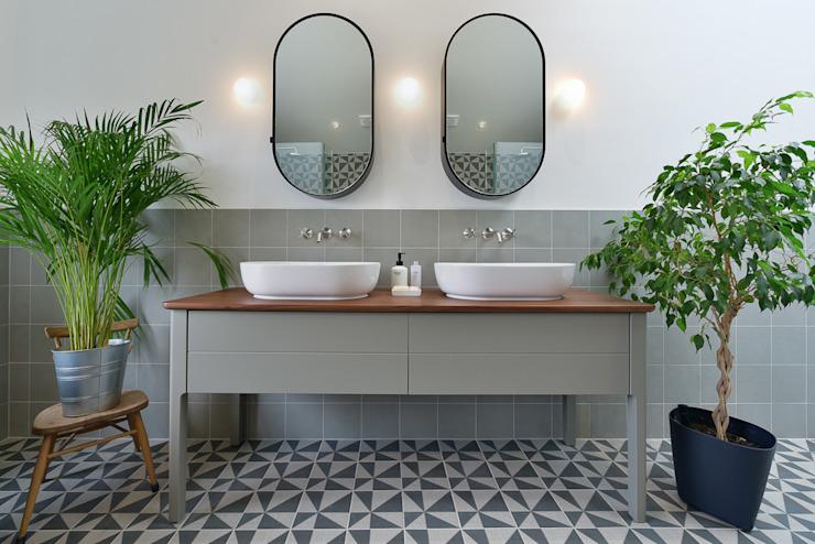 Rénovation de la salle de bains Salle de bains moderne par Graham D Holland Modern