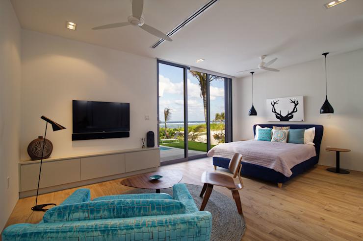 Rum Point Chambre à coucher de style moderne par Tye Architects Modern