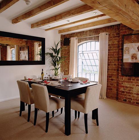 Appartement entrepôt Salle à manger de style classique par 4D Studio Architects and Interior Designers Classic