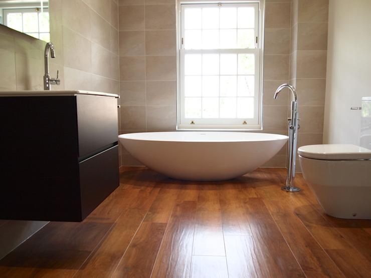 Salle de bains de luxe Salle de bains moderne par DeVal Bathrooms Modern