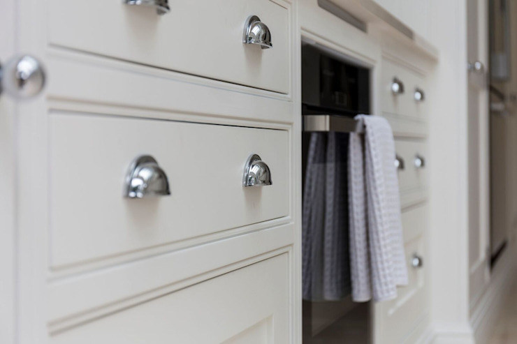 Modern Kitchen Cabinets : modern par Resi Architects à Londres, Modern