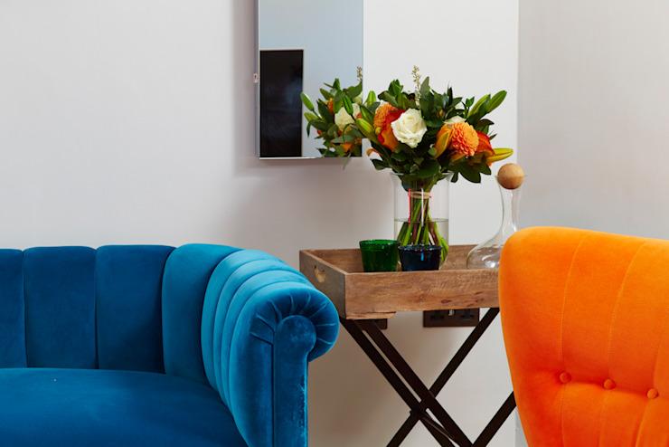 Projet de design d'intérieur pour la salle de bains et pièce maîtresse du salon moderne par Etons of Bath Modern