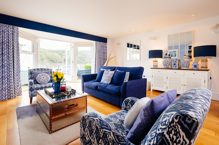 Blue Moorings, Dartmouth   Devon Salon de style éclectique par Perfect Stays Eclectic
