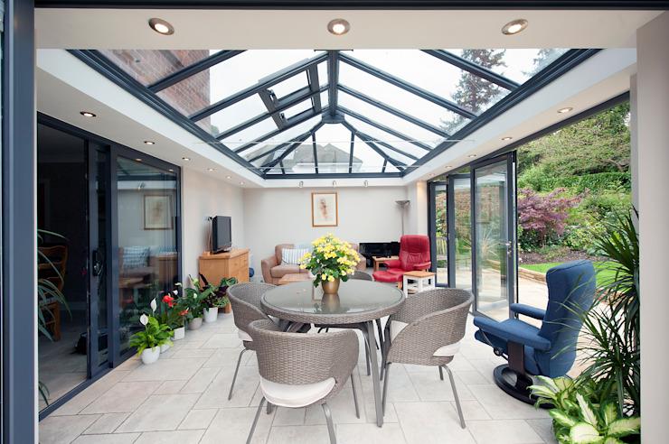 La salle du jardin moderne est l'équivalent du conservatoire moderne