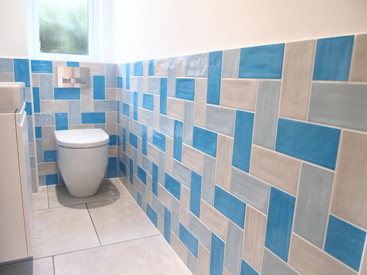 Funky Cloackroom Salle de bains de style éclectique par DeVal Bathrooms Eclectic