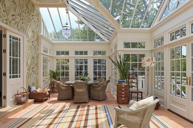 Grand Conservatory on a Substantial Channel Islands Property Conservatoire de style classique par Vale Garden Houses Effet bois classique