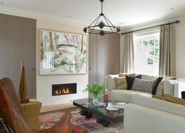 Salle familiale, Manor Farm, Oxfordshire Salon de style éclectique par Concept Interior Design & Decoration Ltd Eclectic