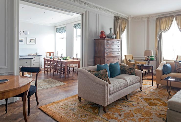 Le salon donnant sur la cuisine, Mansfield Street Apartment, salon de style classique londonien par Nash Baker Architects Ltd Classic