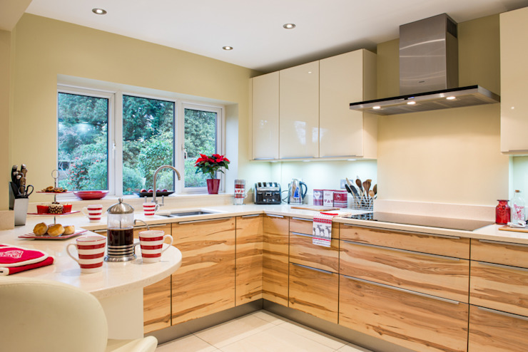 Cuisine allemande moderne - Kitchen Design Surrey Cuisine moderne par Raycross Interiors Modern
