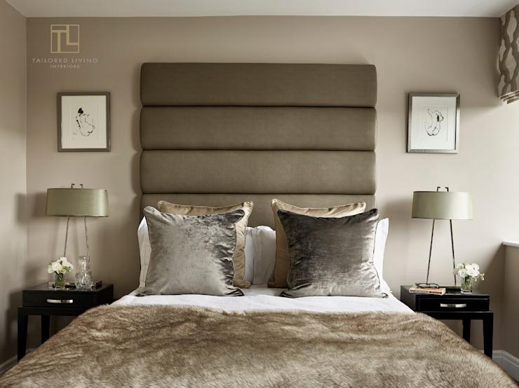 Une chambre à coucher calme et sophistiquée Une chambre à coucher de style moderne par Tailored Living Interiors Modern