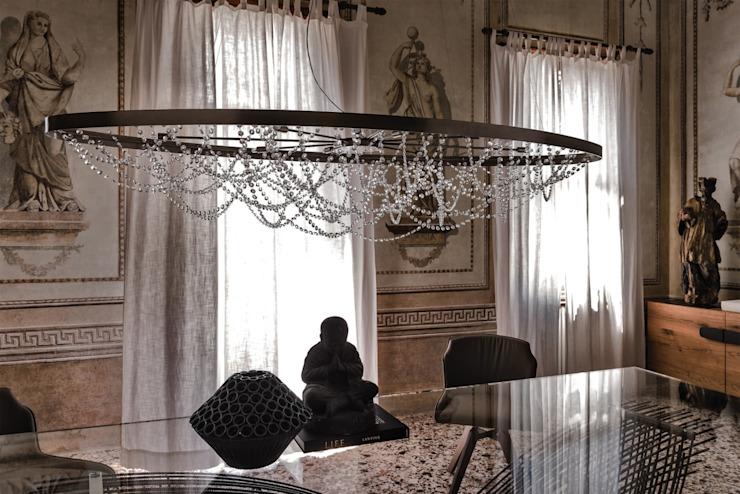 Cristal : moderne par IQ Furniture, Moderne