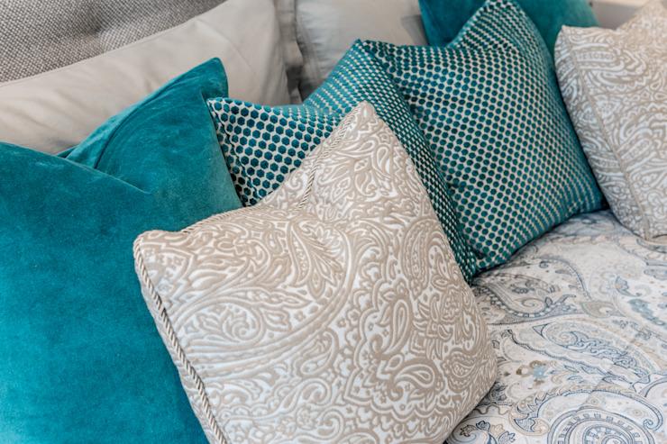 Chambre à coucher principale : moderne par Hampstead Design Hub, Moderne