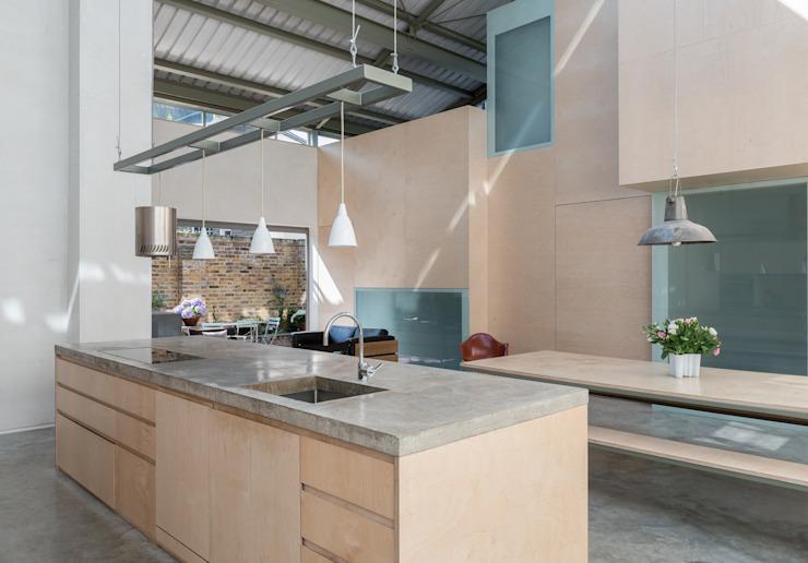 L'atelier Cuisine moderne de Henning Stummel Architects Ltd Modern
