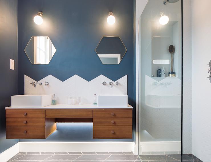 Salle de bains moderne par TAS Architects Modern