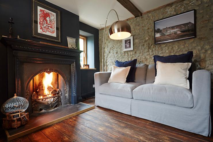 Salon cosy Hart Design et Construction Salon de style rustique