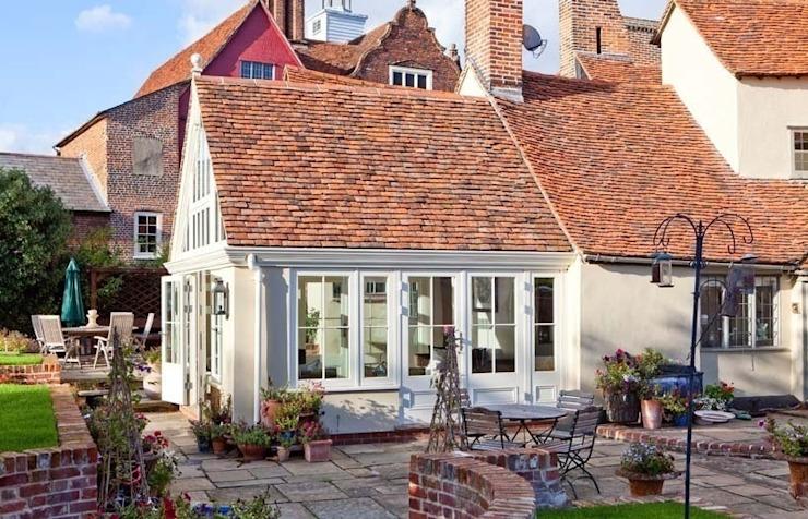 Extension du jardin d'hiver extérieur de style classique par Westbury Garden Rooms Classic