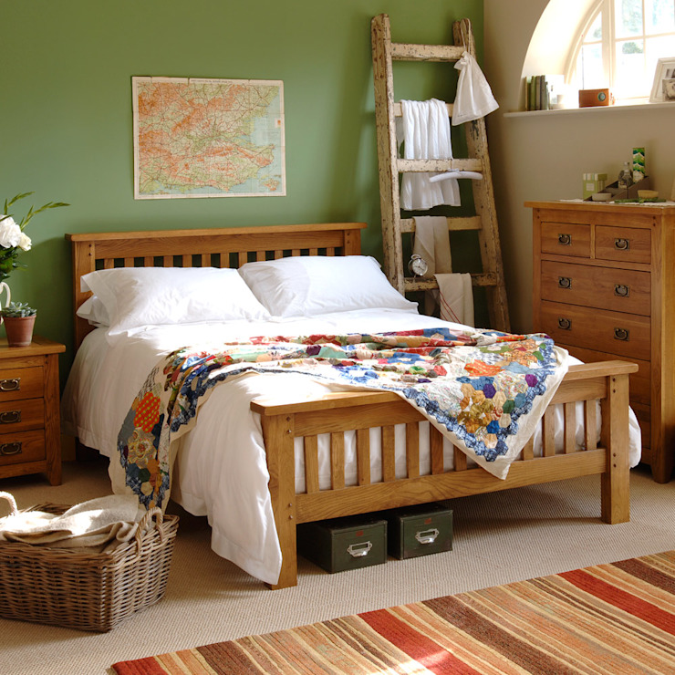 Oakland 4ft 6 Double Bed Country bedroom by The Cotswold Company Country