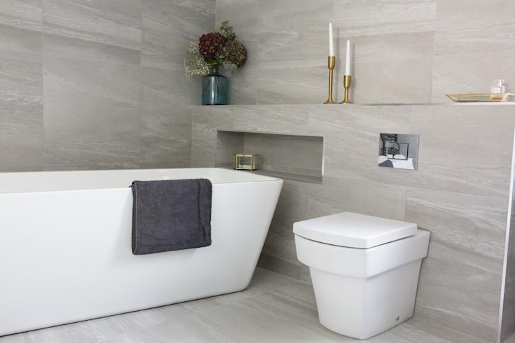 West Winds - Salle de bain principale Salle de bain minimaliste par Brass & Rose Interiors Carreaux minimalistes