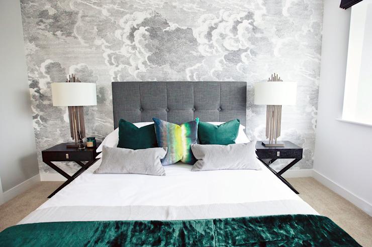 Worts Causeway Show Home Chambre à coucher de style classique par Sara Slade Interiors Classic