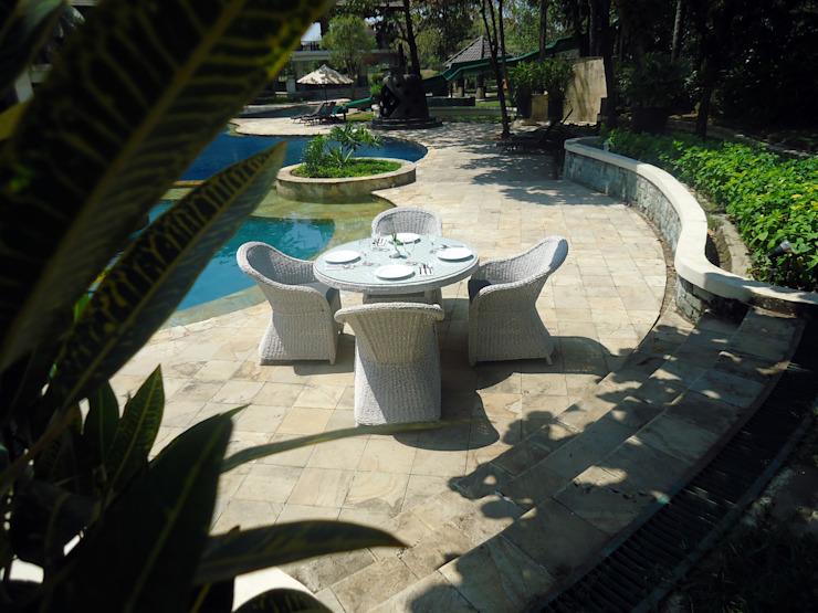 Service de restauration de Monte Carlo : moderne par Garden Furniture Centre, Moderne
