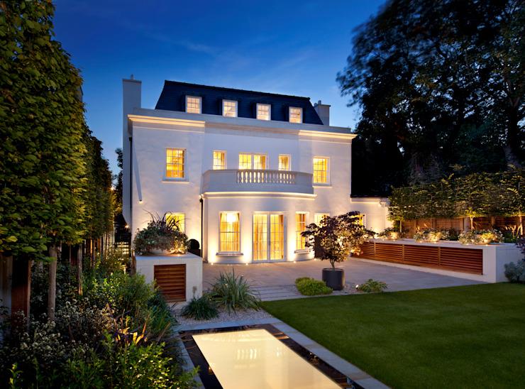 KSR Architects | Deux maisons | Façade arrière Maisons de style classique par KSR Architects Classic