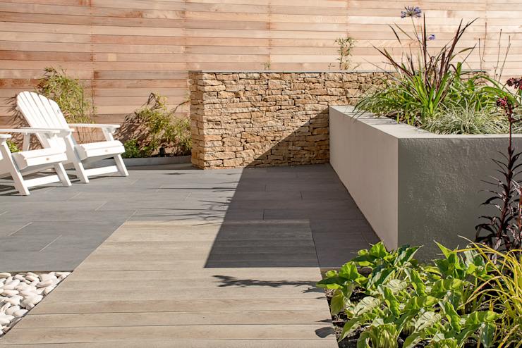 Un jardin contemporain au Pays de Galles Un jardin moderne par Robert Hughes Garden Design Modern