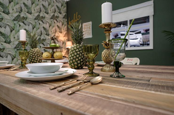 Rustic Tropical Dining Room Salle à manger de style rustique par Little Mill House Rustic