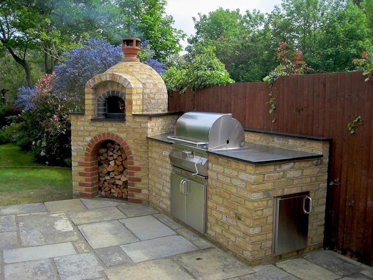 Cuisines d'extérieur et espaces barbecue Jardin de style méditerranéen par Design Outdoors Limited Mediterranean