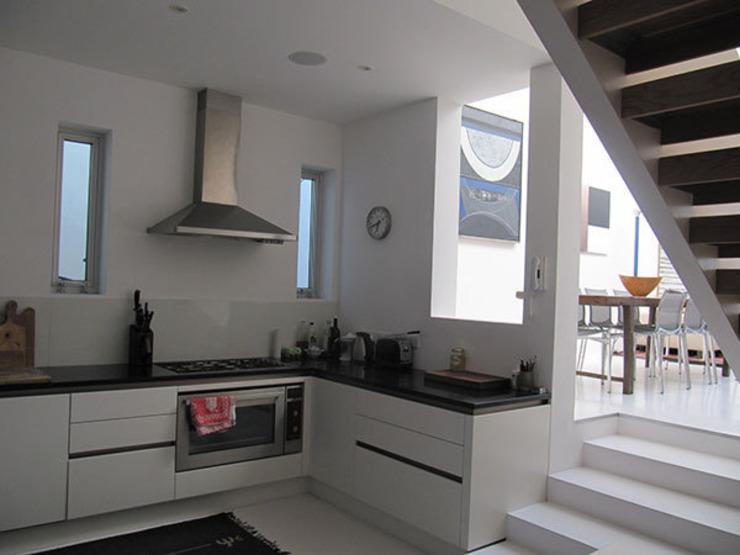 La cuisine La cuisine moderne par 4D Studio Architectes et Designers d'intérieur modernes