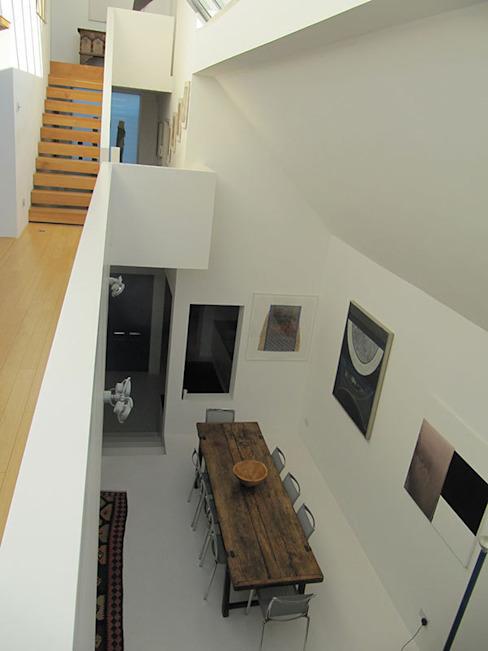 La galerie et la salle à manger La salle à manger moderne par 4D Studio Architects and Interior Designers Modern