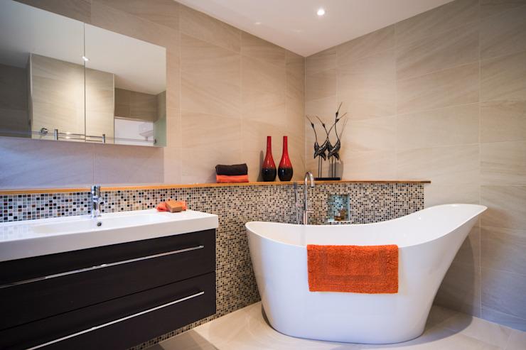 M. et Mme G, Woking Modern salle de bain par Raycross Interiors Modern