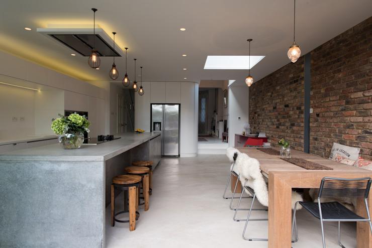 Peckham maison victorienne enveloppant une extension Cuisine de style industriel par Ar'Chic Industrial