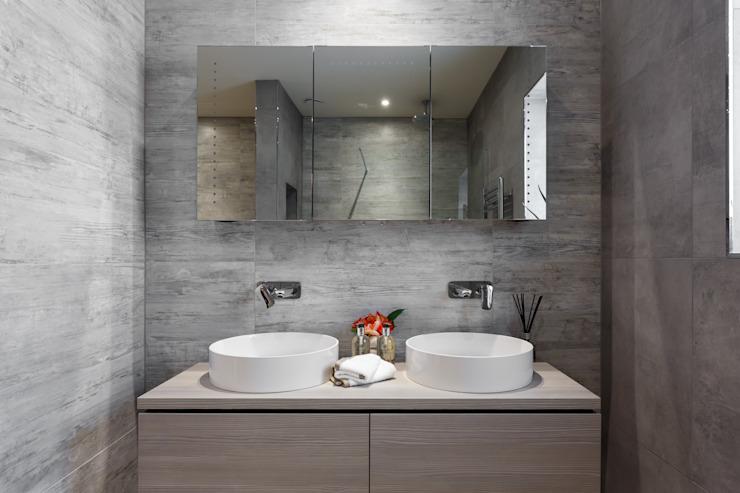 Intérieur d'un penthouse par SMB Interior Design SMB Interior Design Ltd Salle de bains moderne