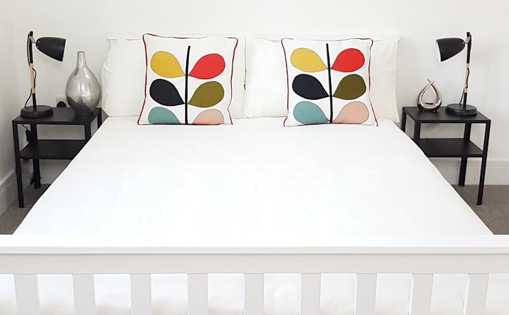 Monochrome botanique Show Home Chambre à coucher minimaliste par THE FRESH INTERIOR COMPANY Minimalist