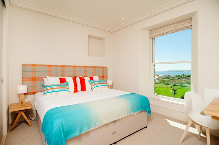 Chambre à coucher Chambre à coucher de style moderne par Perfect Stays Modern