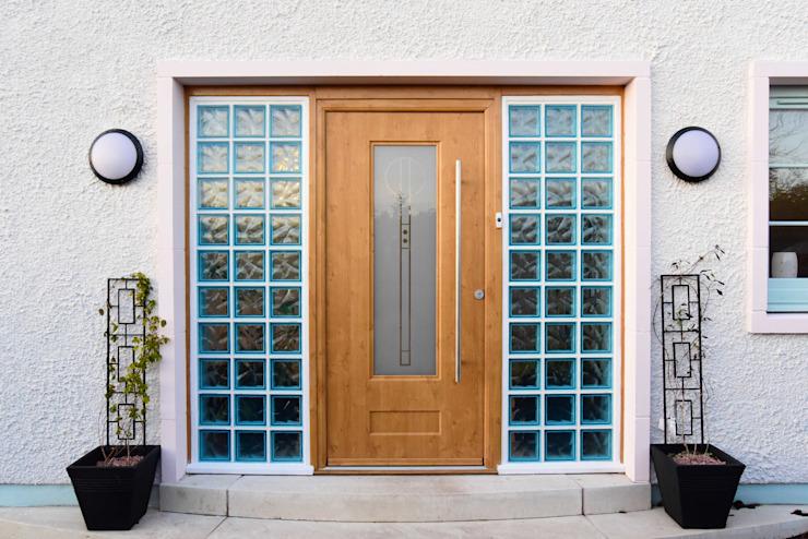 Porte d'entrée Roundhouse Architecture Ltd Portes d'entrée en bois brun