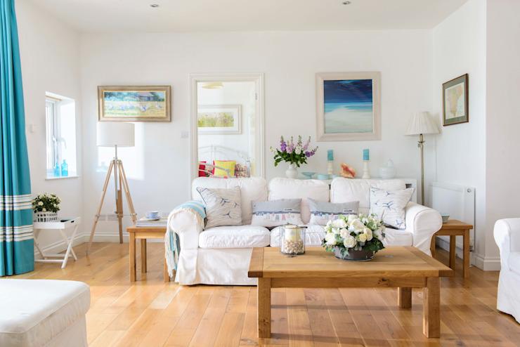 Salon dans une maison de vacances Salon de style éclectique par Dupere Interior Design Eclectic