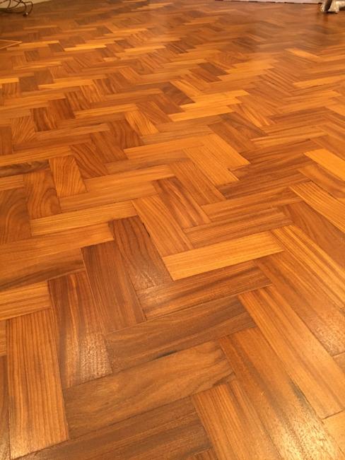 Nouveau parquet en noyer Northwood by Woodcraft Flooring Classic en bois massif multicolore