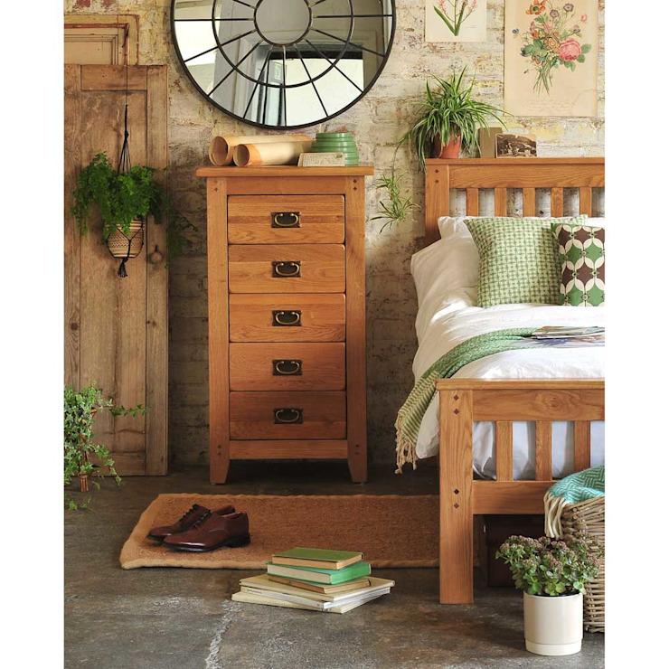 Commode Oakland à 5 tiroirs Chambre à coucher de style champêtre par The Cotswold Company Effet bois champêtre