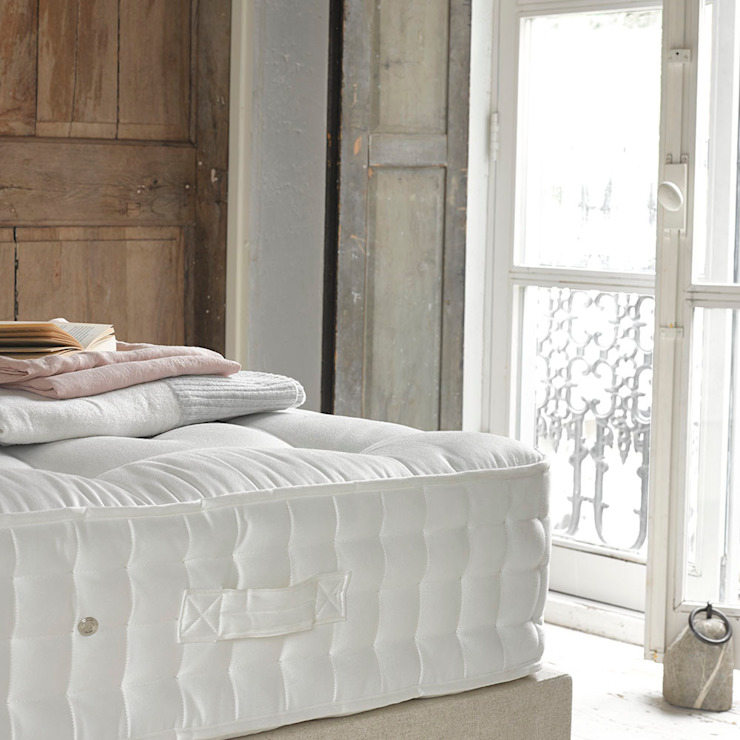 Matelas Top Dog Classic, chambre à coucher de style classique par Loaf Classic