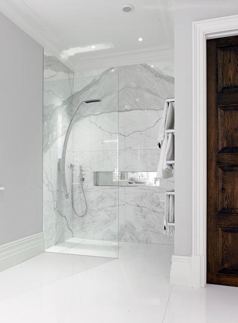 Étude de cas : New Lodge, Fulham Salle de bains moderne par BathroomsByDesign Retail Ltd Modern