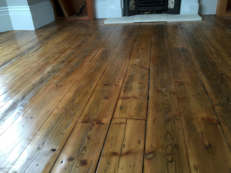 Planches de pin récupérées The British Wood Flooring Company Salon de style classique