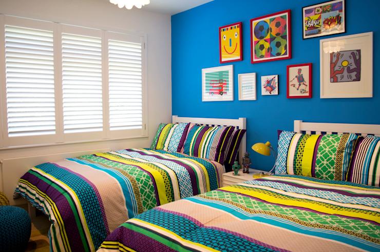 Chambre de garçons colorée Chambre de style moderne par LLI Design Modern